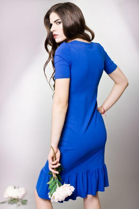 Prosta sukienka z falbaną