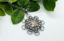 Medalion chainmaille z kryształem Swarovskiego 2