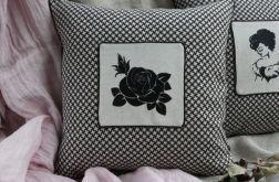 Poduszka z haftem Róża