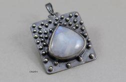 Kamień księżycowy i srebro - wisior