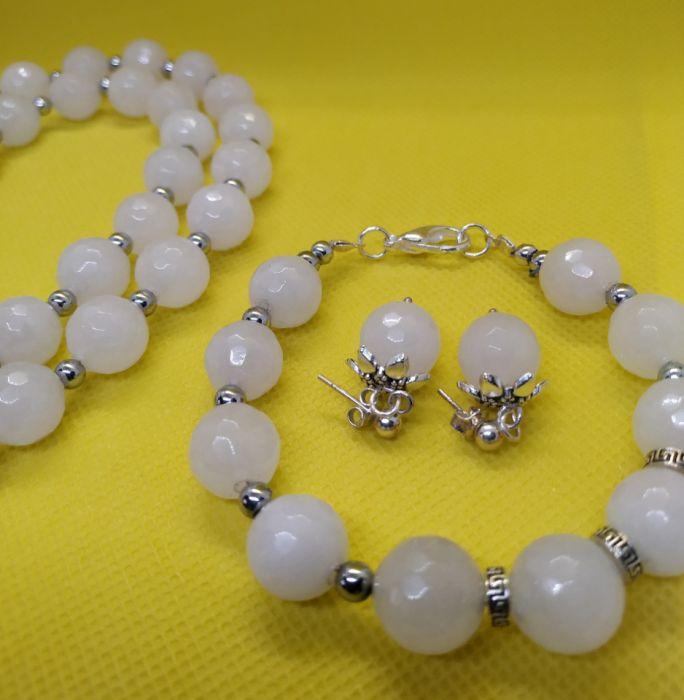Komplet biżuterii z mistycznego białego jadeitu - Trzy częściowy komplet biżuterii