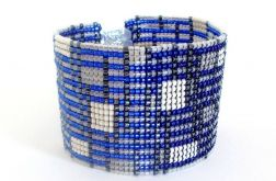 Kobaltowa bransoletka koralikowa - geometryczna