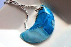 Niebieski agat, wisiorek - półksiężyc, srebro