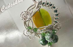 Serpentine-fusing glass