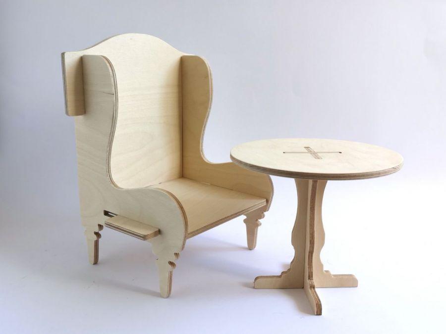 Meble dla laki. Fotel i stolik dla lalki