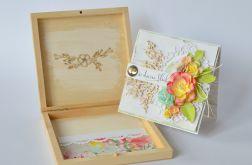 Kartka ślubna w drewnianym pudełku