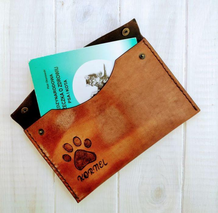 Skórzane etui na książeczkę zdrowia zwierzaka