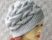 Szara zimowa czapka wykonana ręcznie