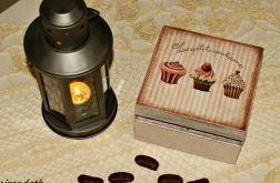 Herbaciarka muffinki vintage retro cupcakes