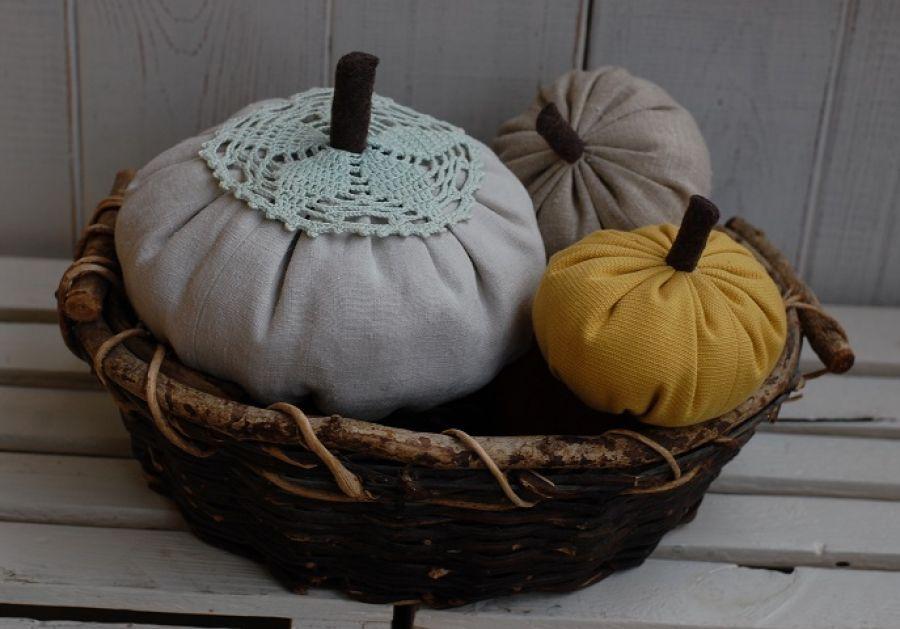 Rustykalna, lniana dynia - jesienna dekoracja
