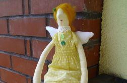 anioł w żółte kropeczki