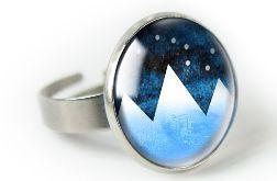 Góry pierścionek z ilustracją