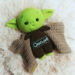 Baby Yoda - Szydełkowa Maskotka - Możliwa personalizacja dowolnym imieniem