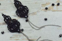 Długie, czarne kolczyki z łańcuszkiem