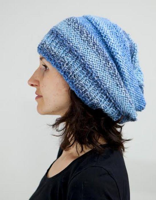 Czapka - beret w odcieniach niebieskiego