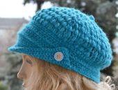 W kolorze turkusowy  kaszkiet-czapka z daszkiem,unikalna i cieplutka ;o)