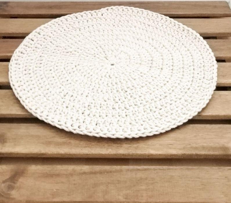 Podkładka na stół,pod talerz ,średnica 30cm.  -