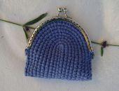 Szydełkowa portmonetka w kolorze niebieskim