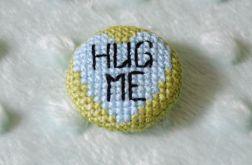 Guzik / przypinka hug me