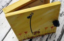 żółte pudełko na klucze żyrafa