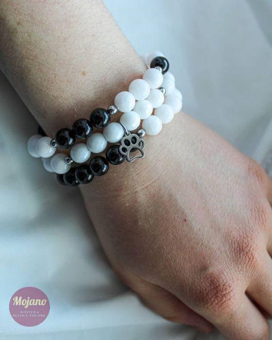 Zestaw bransoletek black&white.