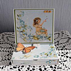Kartka z szufladką dla dziewczynki
