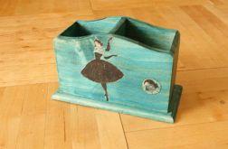Piórnik z baletnicą