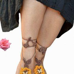 Ozdoba na stopy żółty z brązem