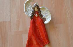 Anioł czerwony wiszący