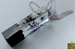 Luna - wisior z żywicy na srebrnym łańcuszku
