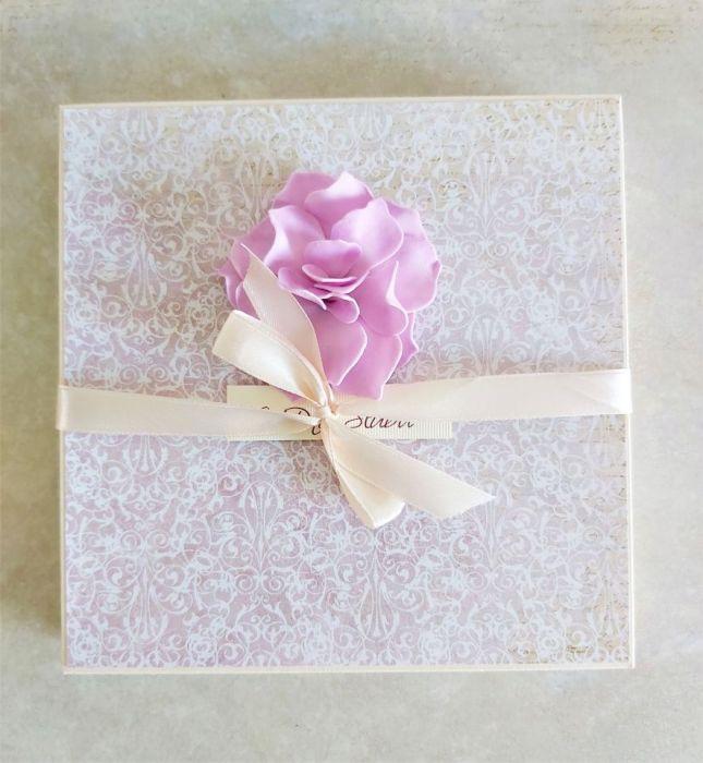 Komplet ślubny z kwiatem -