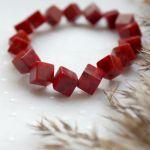 Bransoletka z kostek korala czerwonego - Oryginalna bransoletka na rękę