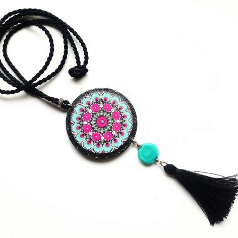 Fuksja - Naszyjnik z wisiorem folkowym