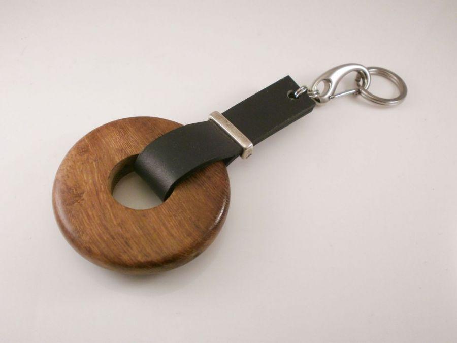 Brelok do kluczy kółko drewniane