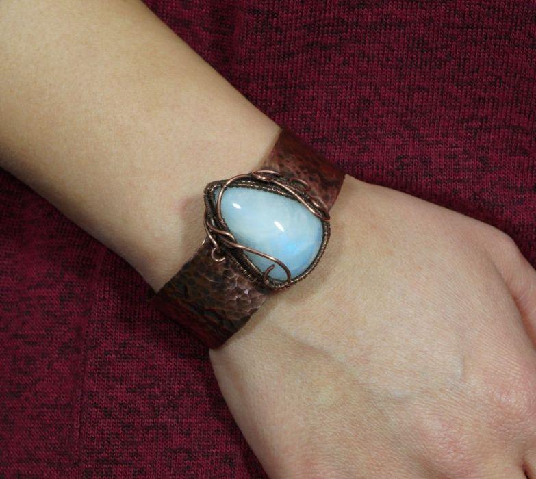 Bransoletka miedź z kamieniem księżycowym - Kamień księżycowy i miedź, Miedziana bransoletka z kamieniem księżycowym, ręcznie wykonana, prezent dla niej prezent dla mamy, regulowana