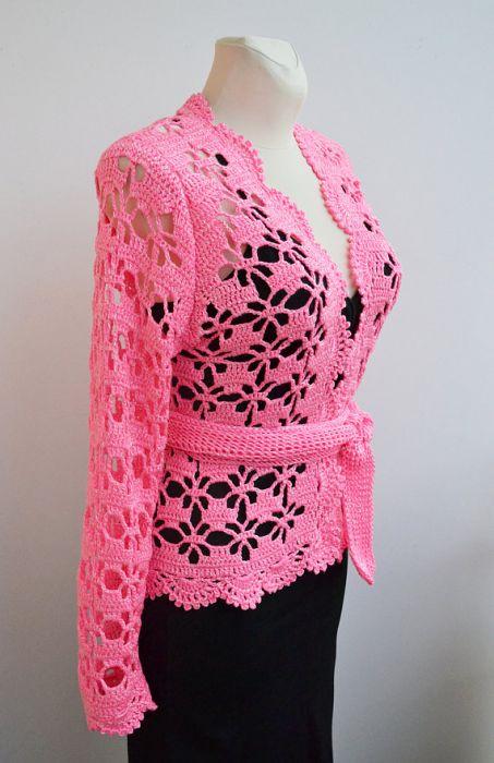 Różowy szydełkowy kardigan