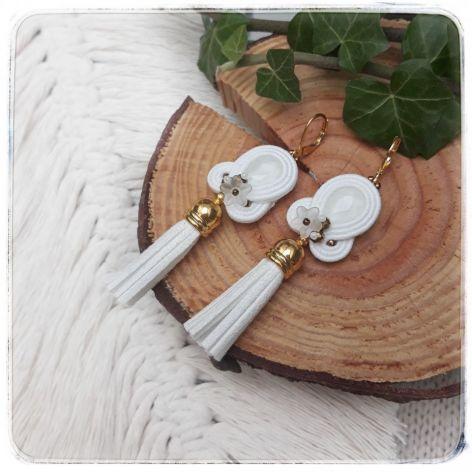 Kolczyki sutasz biały chwosty Boho ślub wesel