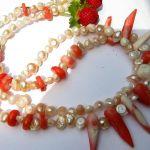 Koral łososiowy i kremowe perły, duet w srebrze