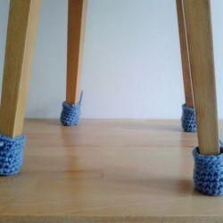 Ochraniacze , skarpetki na krzesła