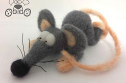 szczurek z wąsami