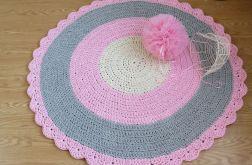 Dywan z falbanką szary różowy 130 cm