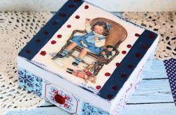Pudełko drewniane - Mała Pani Niteczka