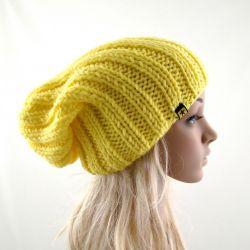 żółta damska czapka