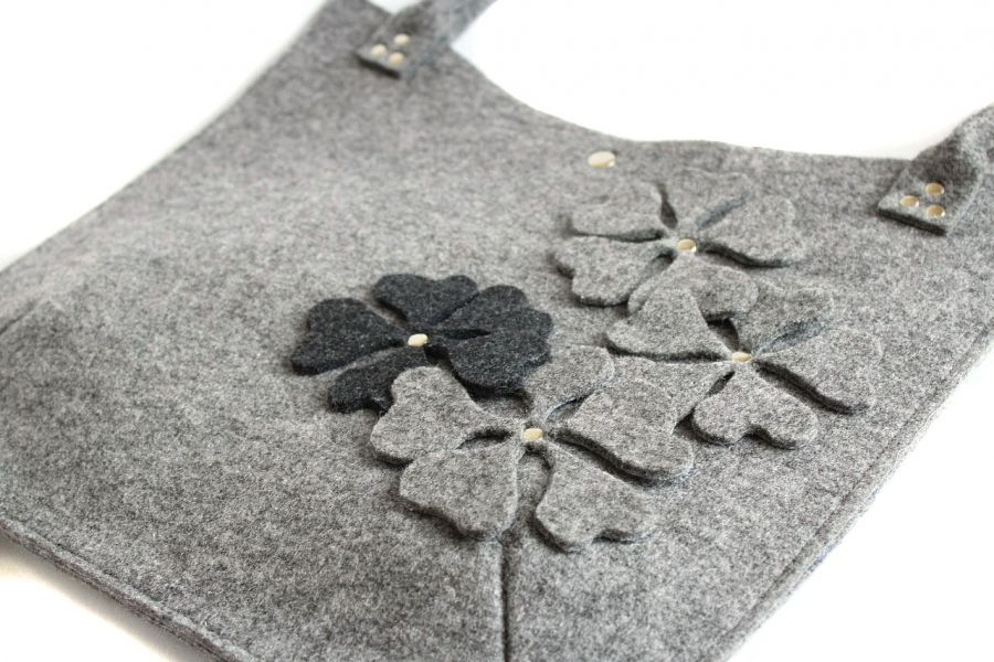 Torebka z kwiatami