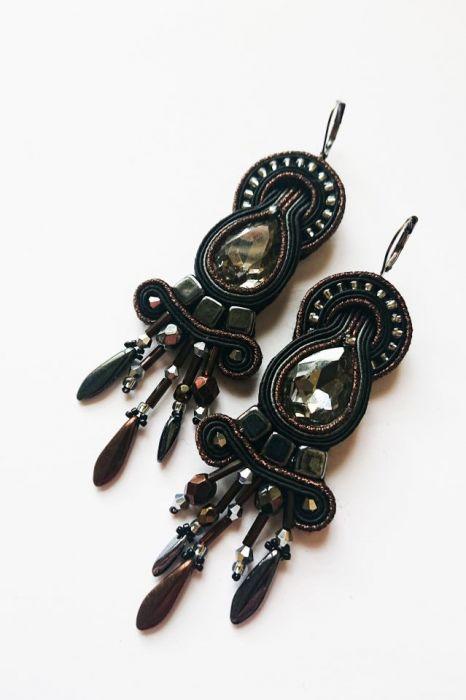 Czarno-brązowe kolczyki z kryształkami