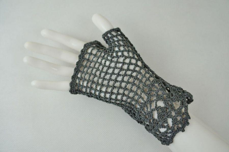 Romantyczne rękawiczki grafit z cyrkoniami - Modne rękawiczki