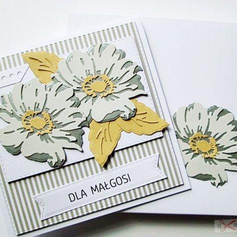 Kartka UNIWERSALNA - popielato-szare kwiaty