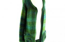 sweter w zieleniach z okrągłymi kieszeniami