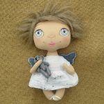 ANIOŁEK lalka - dekoracja tekstylna, OOAK /03 - nie rozstaję się z misiem