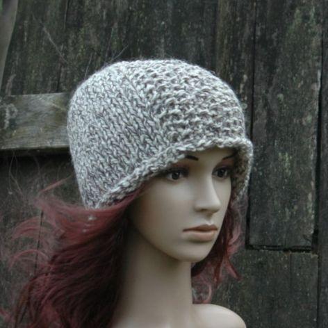 Wełniana czapka beż